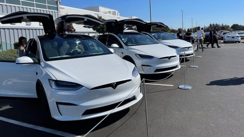 New Tesla Model X deliveries begin at Fremont, and it's better than ever